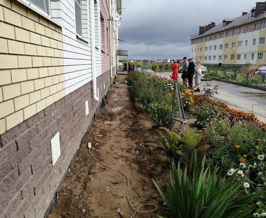 Прокуратура заявила, что треснувший дом на Бору построен с нарушениями - фото 1